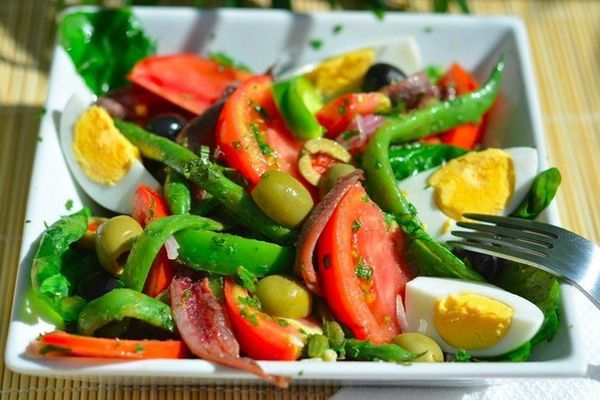 Salad Nicoise Is A Composite Salad With Assorted Vegetables Tuna Or Anchovies Or Both Together Ingredients Arugula Can Substit Nicoise Salad Recipes Salad
