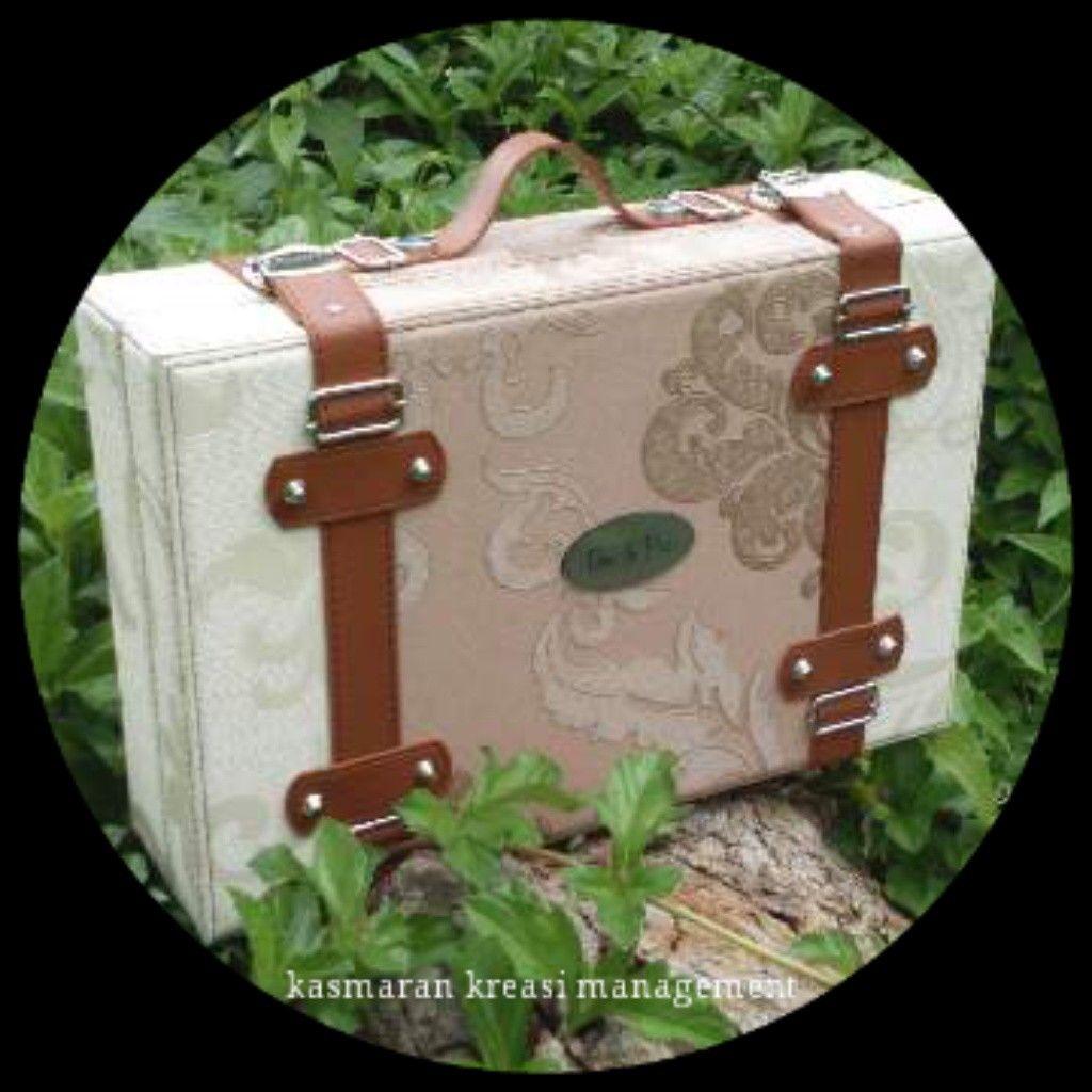 Handycraft/Handmade of Bandung #paperbox #art #fineartbox #fineartalbum #leatheralbum #leatherbox #weddingalbum #weddingbox #albummagazine