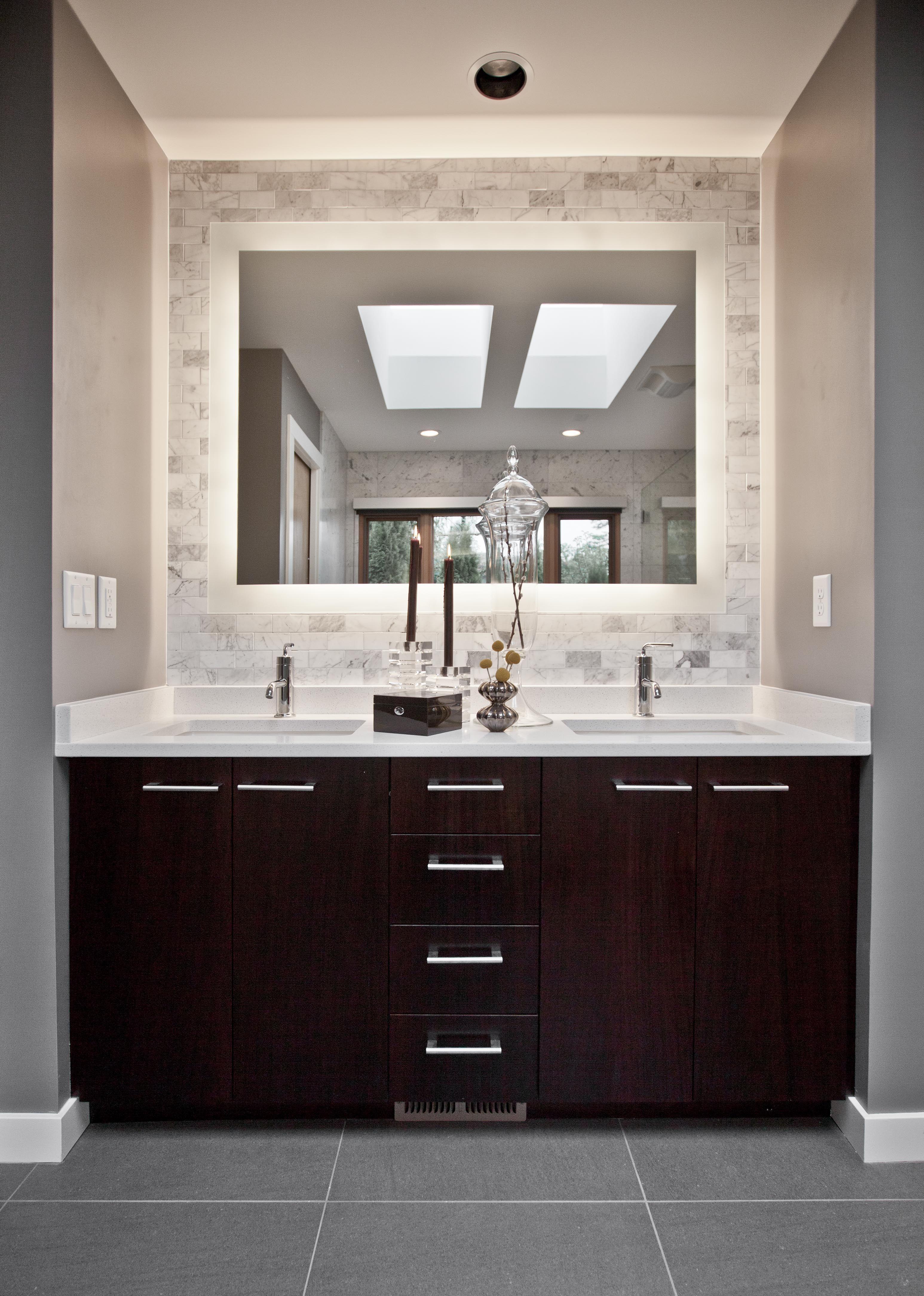 The 25+ best Backlit mirror ideas on Pinterest | Modern ...