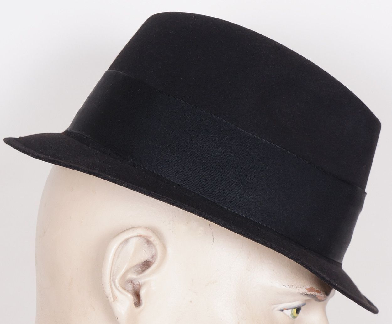 """6ca8351732ceb This is a very nice quality 1960s narrow brim """"Mad Men"""" style fedora hat"""