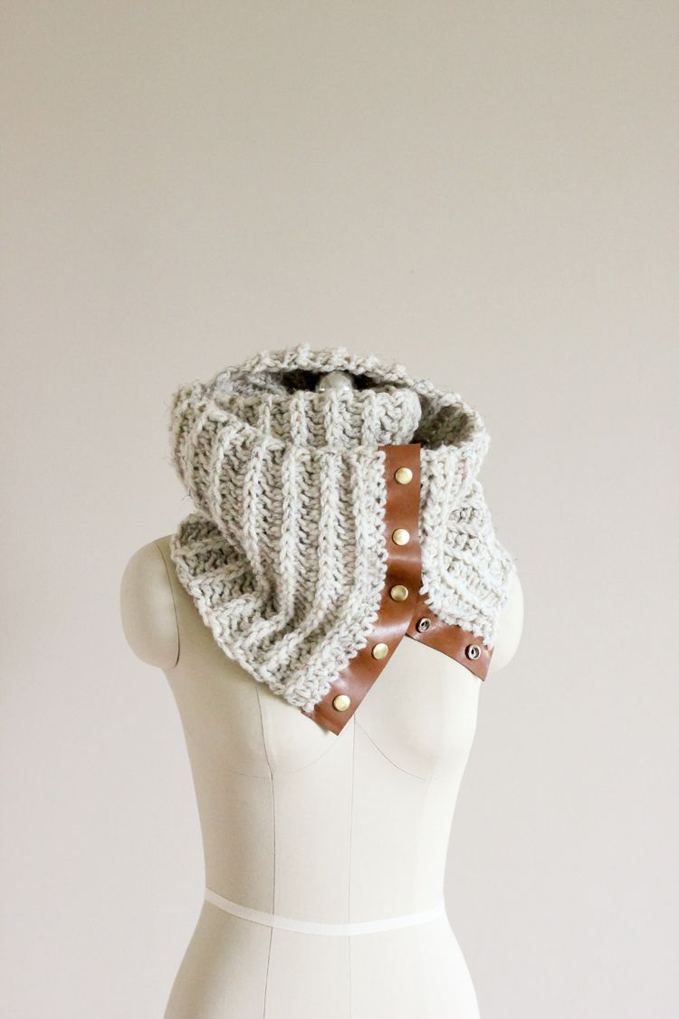 Crochet Leather Snap Scarf - Free Pattern and Tutorial! // Delia ...