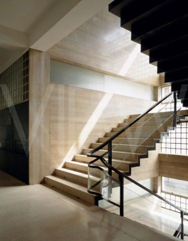 Interno vano scala casa del fascio a como g terragni for Chiusura vano scala interno