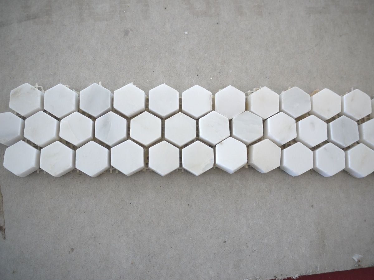 Mosaic Marble Tile Mouted On Mesh Backing With Pre Set