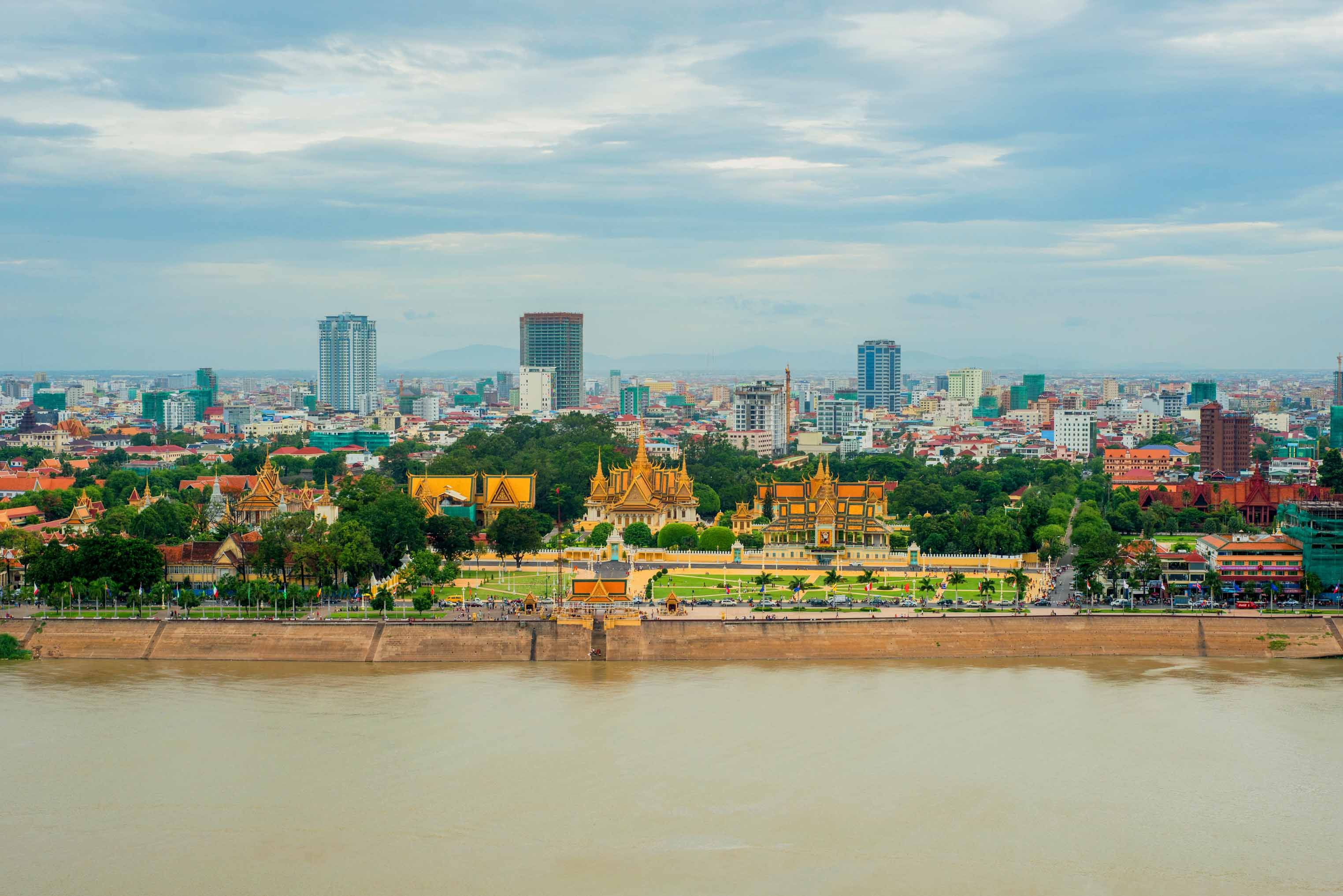 A very nice view of Royal Palace from Sokha Phnom Penh