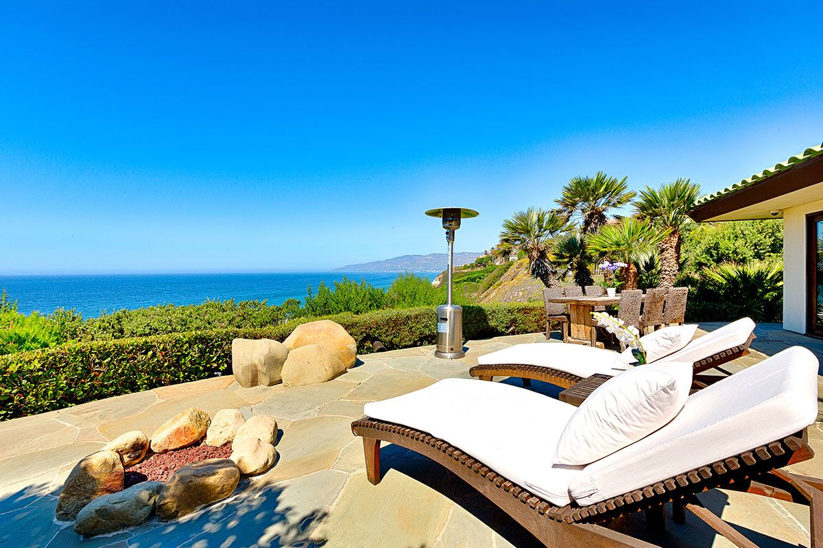 Check out this amazing Luxury Retreats beach property in ...