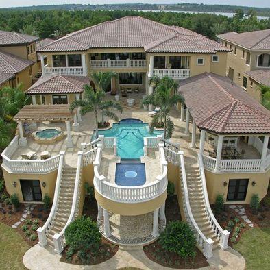 Mi casa es dos piso mi casa es muy grande y tiene es for Casa home goods