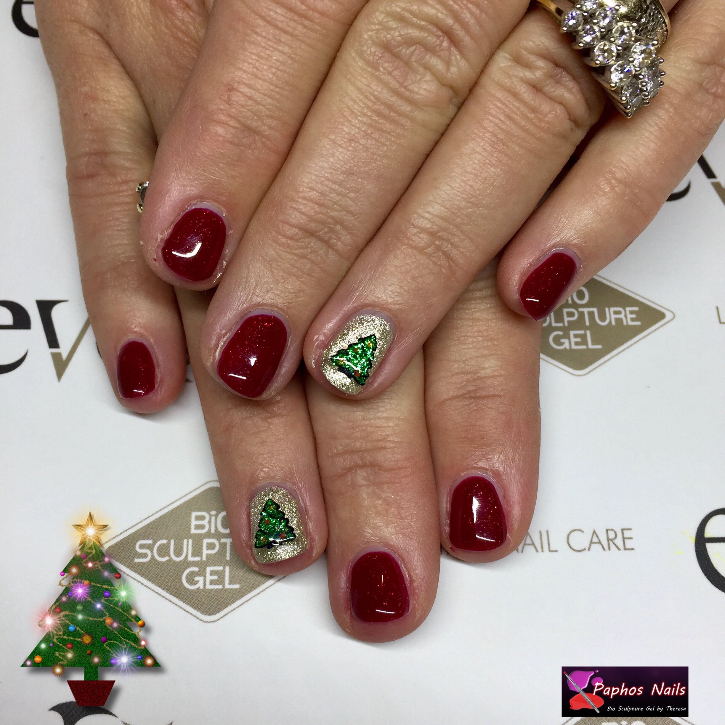 #christmastree #nails #moulinrouge #biosculpturegel and #crystal #evobybiosculpture #paphosnails #biosculpturebytheresa #kissonerganails