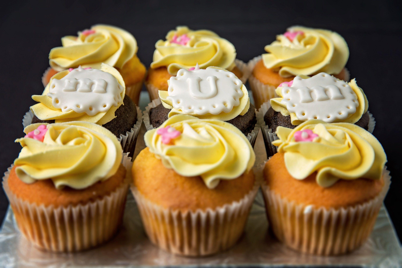 Custom Cupcakes Made by: Chef Aura Fuenmayor Myrtle Beach SC ...