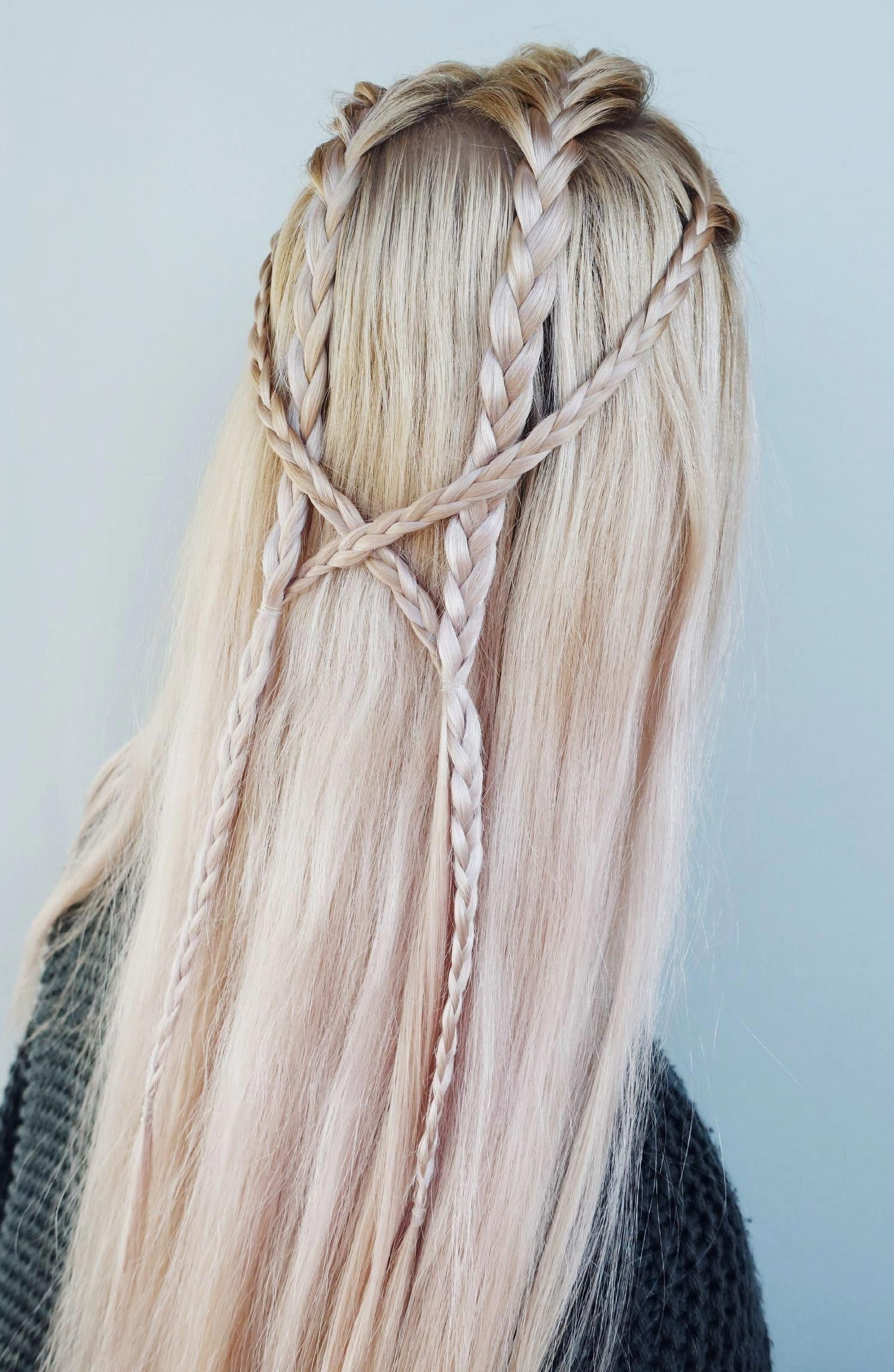 Multiple Braid Design Continue To Get Creative With Your Braids You Don T Have To Do Dozens Of Intricate Designs Braided Hairstyles Hair Styles Braid Styles