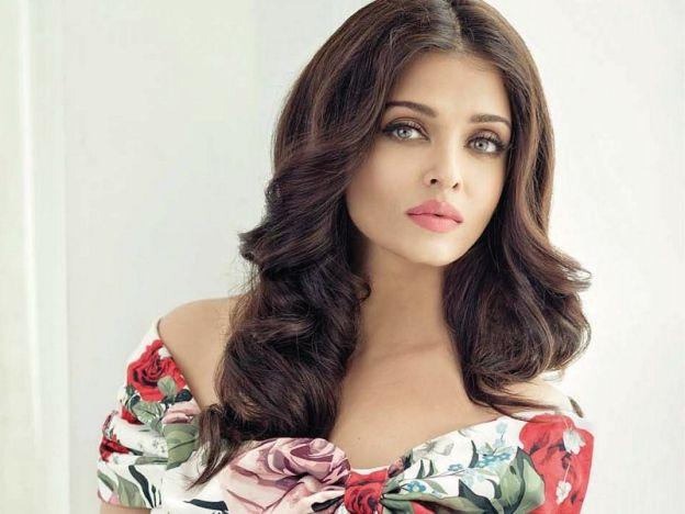 Kerjaya Aishwarya Rai Belum Terhenti Produk Kecantikan Model Pakaian Wanita
