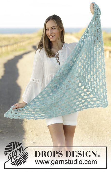 Crochet shawl with fan pattern in DROPS Baby Merino and DROPS ...