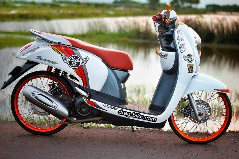 Modifikasi Scoopy Standar Hitam Putih Sepeda Velg