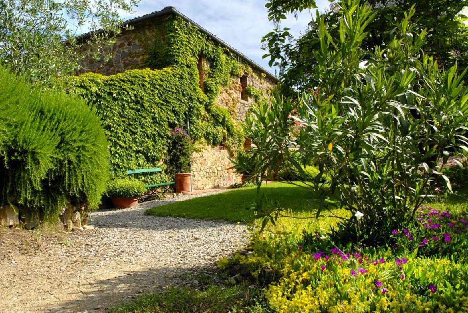 Italien Toskana Immobilie Sinalunga 9 Hektare Mit Wald Olivenbaume Landhaus Mit B B Pool Alleinlage Kaufpreis Reduziert Auf Pool Instagram B B