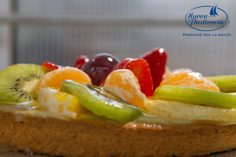 A rendere speciali le nostre #crostate di frutta sono gli ingredienti freschi, tanto da renderle un dolce ideale anche per la colazione, da accompagnare al tè o da condividere nelle occasioni in cui si ha voglia di un vero classico della pasticceria. Scopri tutte le nostre crostate di #frutta.