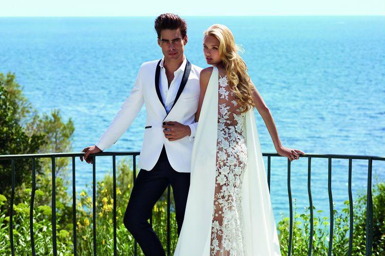 Romee Strijd y John Kortajarena protagonistas de la colección 2017 de Pronovias. Una elegante villa de la Costa Azul se convierte en el mejor escenario de esta campaña.  #Modalia | http://www.modalia.es/novias/12429-romee-strijd-y-jon-kortajarena-en-la-coleccion-2017-de-pronovias.html #romeestrijd #jonkortajarena #pronovias