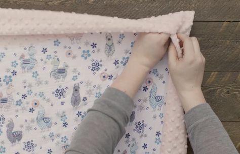 Self Binding Baby Blanket Tutorial #babyblanket