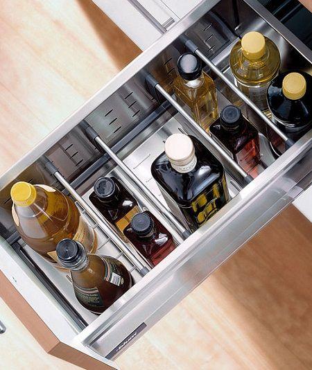 Wklad Firmy Blum Przypominajacy Wanienke Ktory Mozna Zamontowac Rowniez W Szerokiej Szufladzie Wystarczy Zast Kitchen Clever Kitchen Storage Storage Drawers