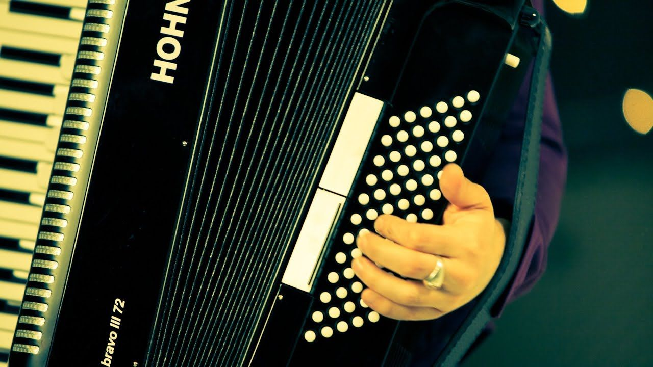Pin on How to Play Accordion!