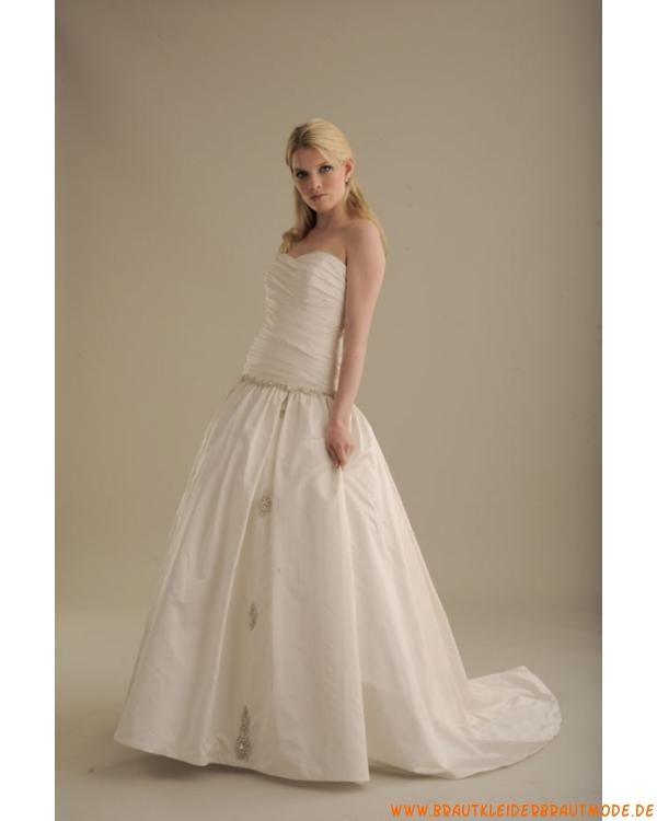 Schönste Brautmode aus Satin süße Brautkleider mit Korsage