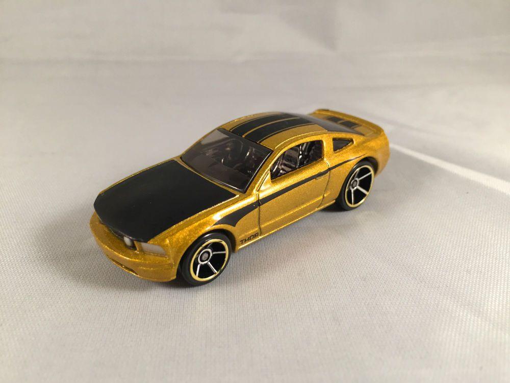 2008 Hot Wheels Mainline Treasure Hunt 2005 Ford Mustang Gt Gold Loose Ford Mustang Gt Hot Wheels 2005 Ford Mustang