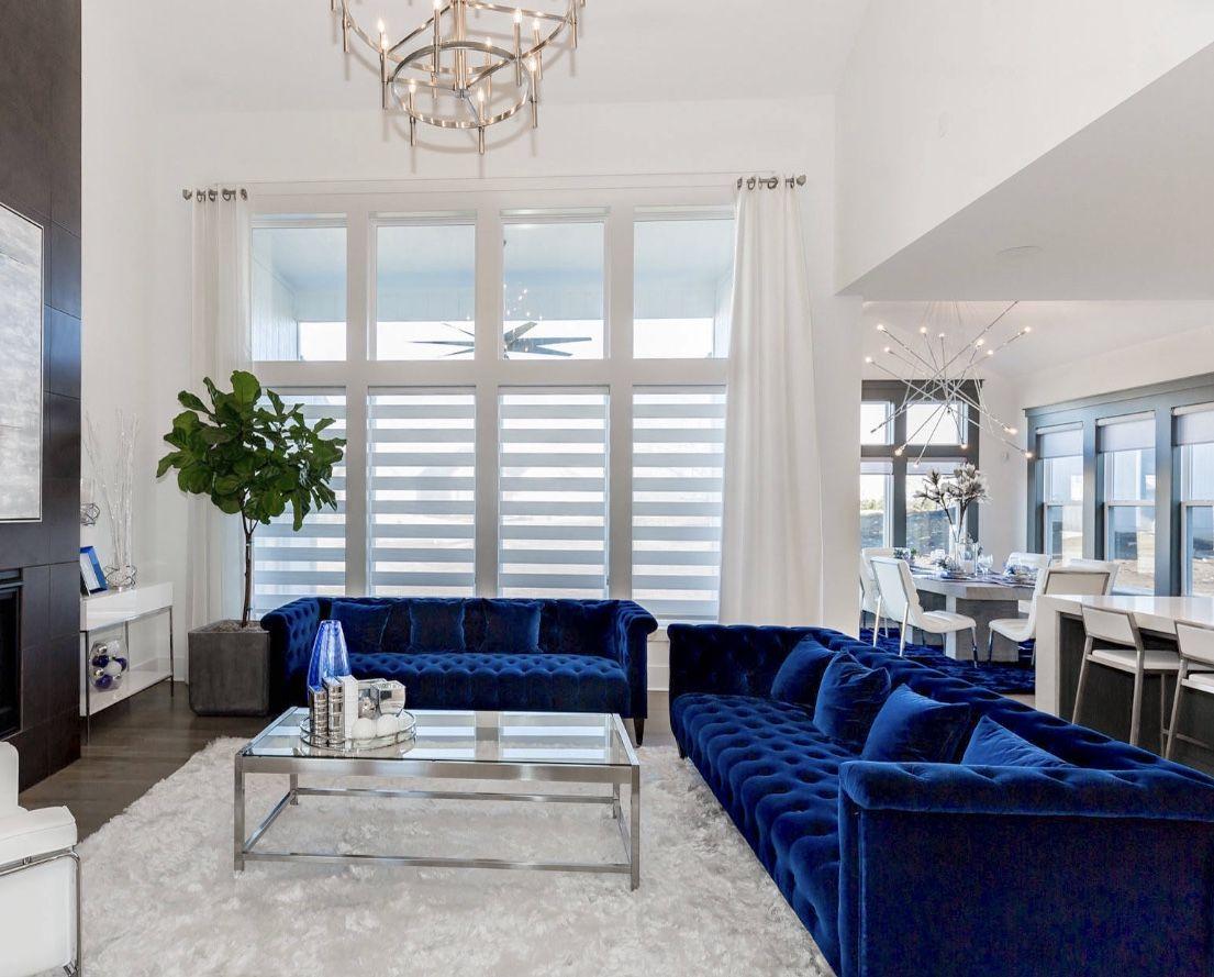Elegant Blue And White Living Room Decor With Blue Velvet Tufted