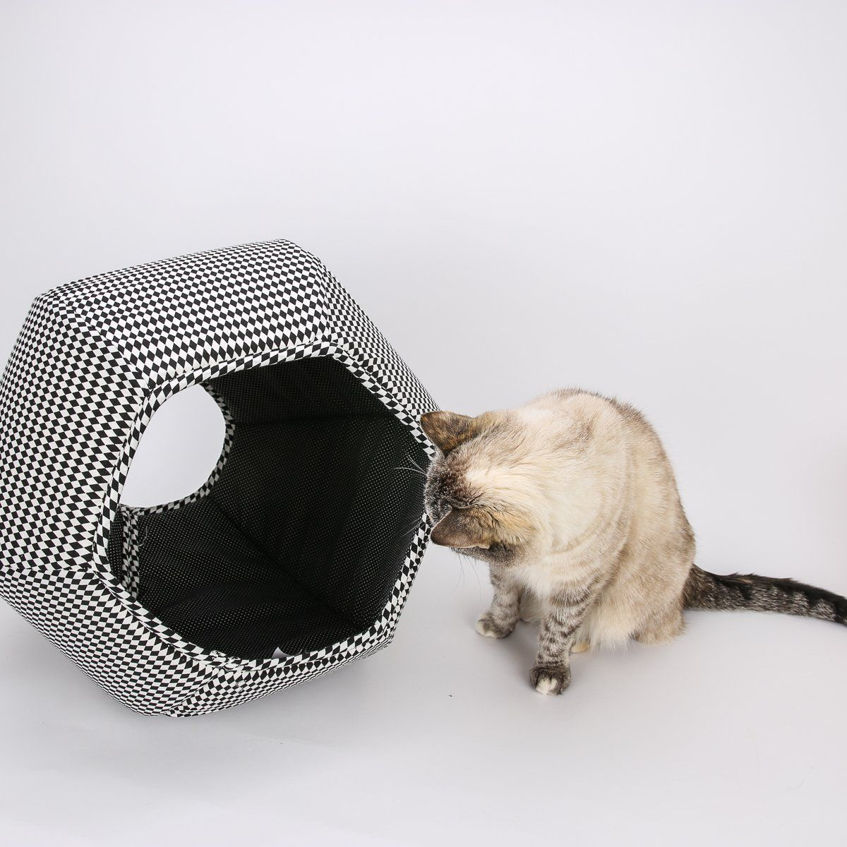 Modern Cat Bed In Black And White Harlequin Fabrics   The Cat Ball Cat Bed