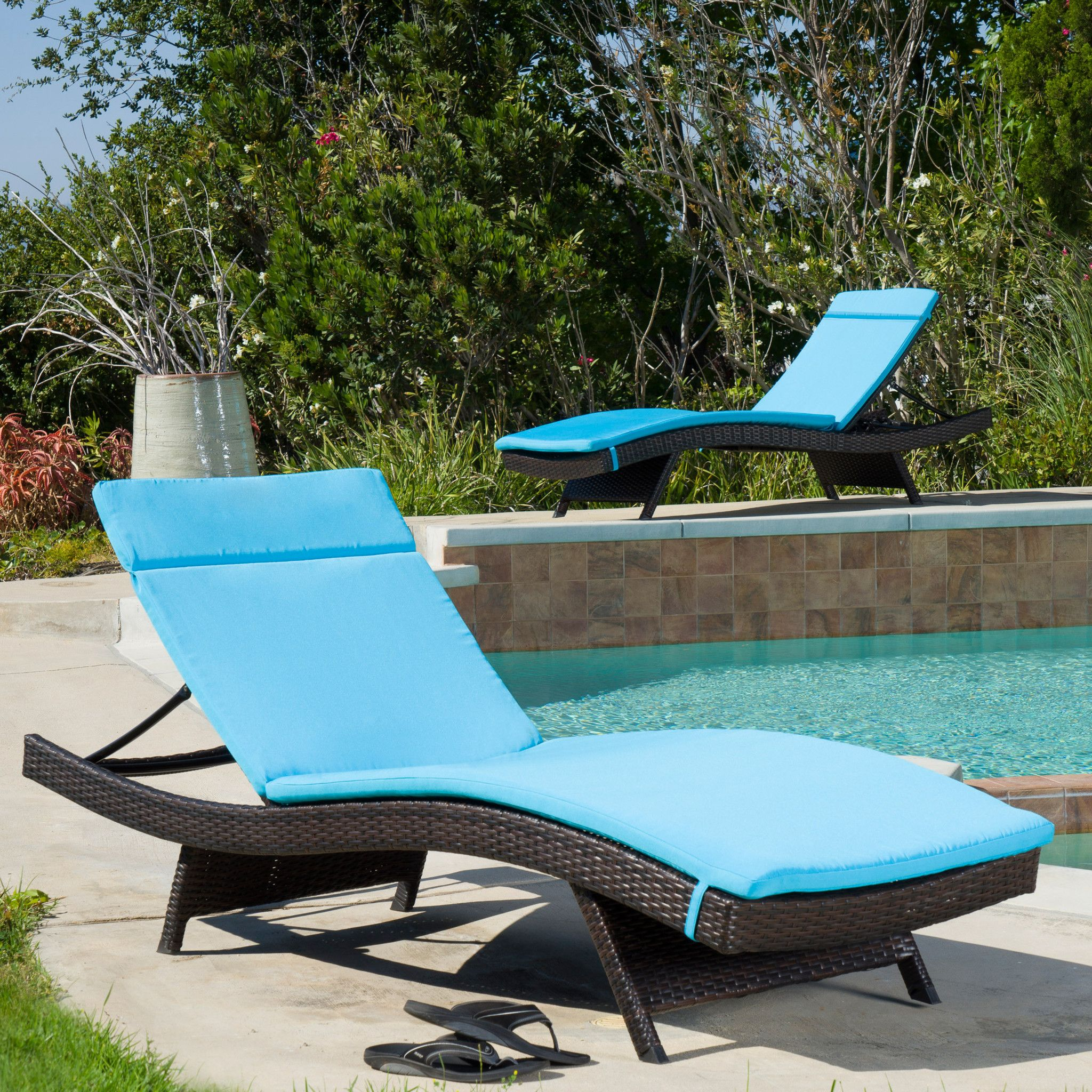 - Single Blue Cushion Pad For Outdoor Chaise Lounge Chair Lounge