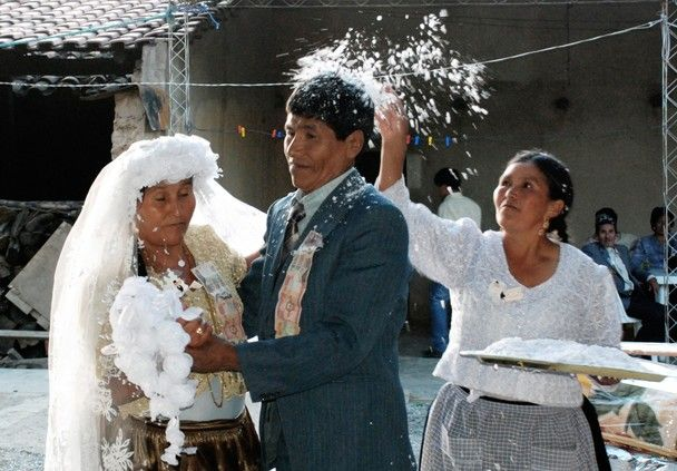 In Bolivia It Is Customary To Shower The Bride And Groom With White Confetti Traditional Weddingsthe
