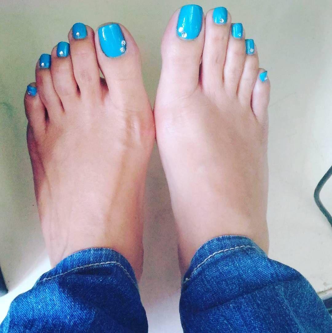 Feet sexy filipina Hot Girls