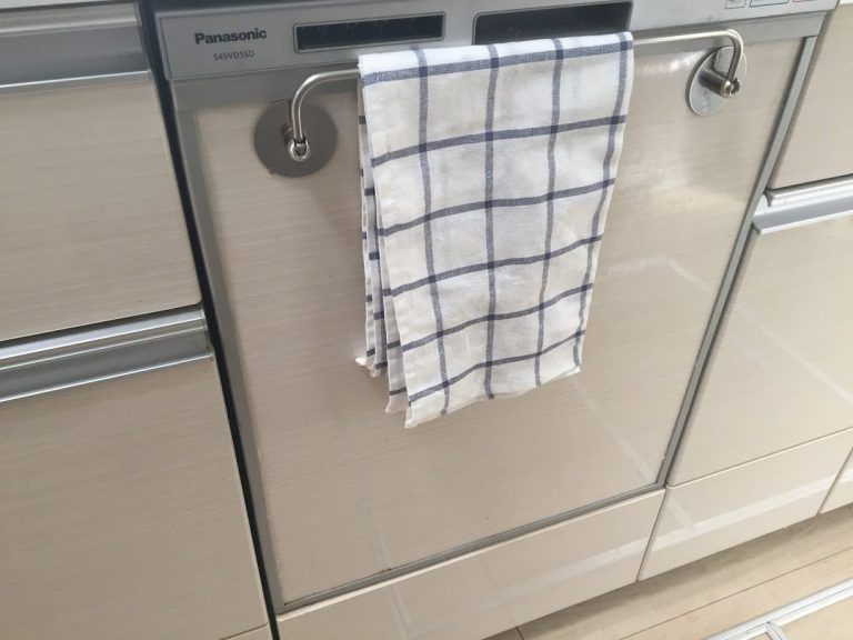 我が家で3年愛用しているキッチンアイテム 池永鉄工たためるタオル掛け シンプルな住まいと暮らし タオル掛け タオル掛け キッチン システム キッチン