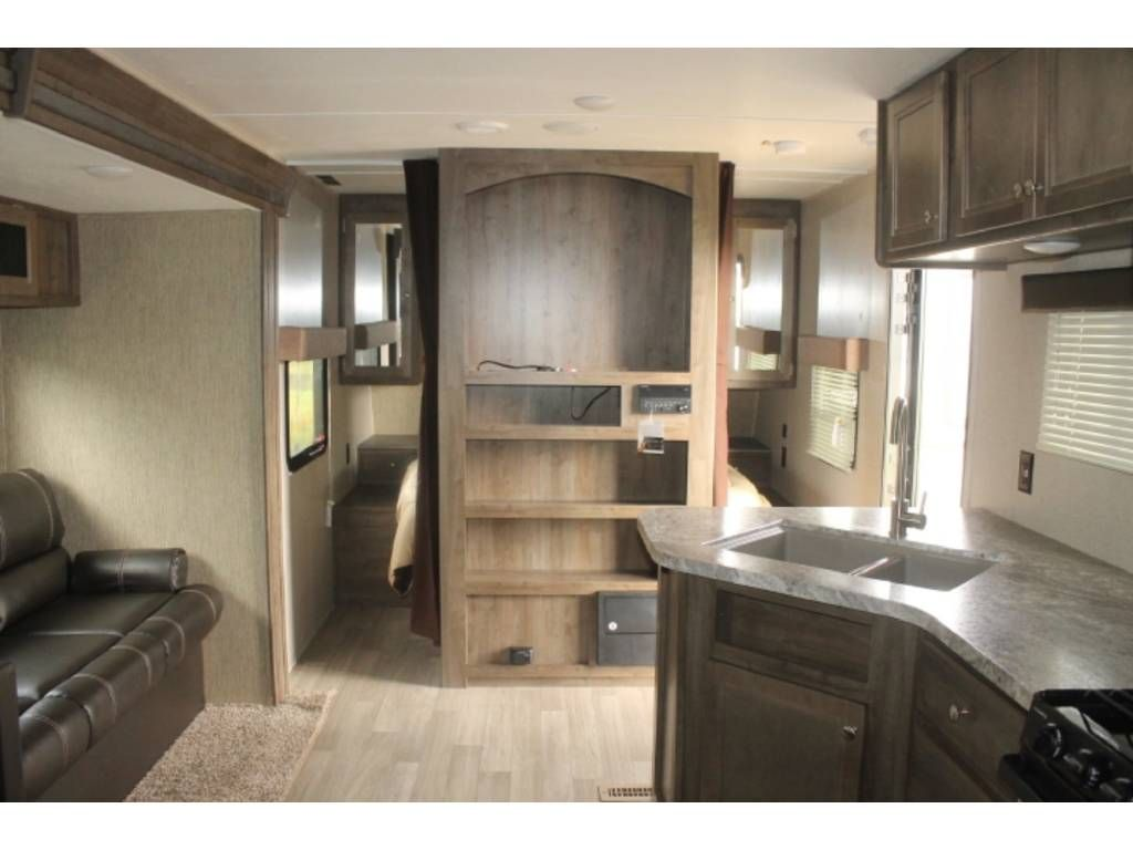 Check out this 2018 Coleman COLEMAN LANTERN 263BH listing