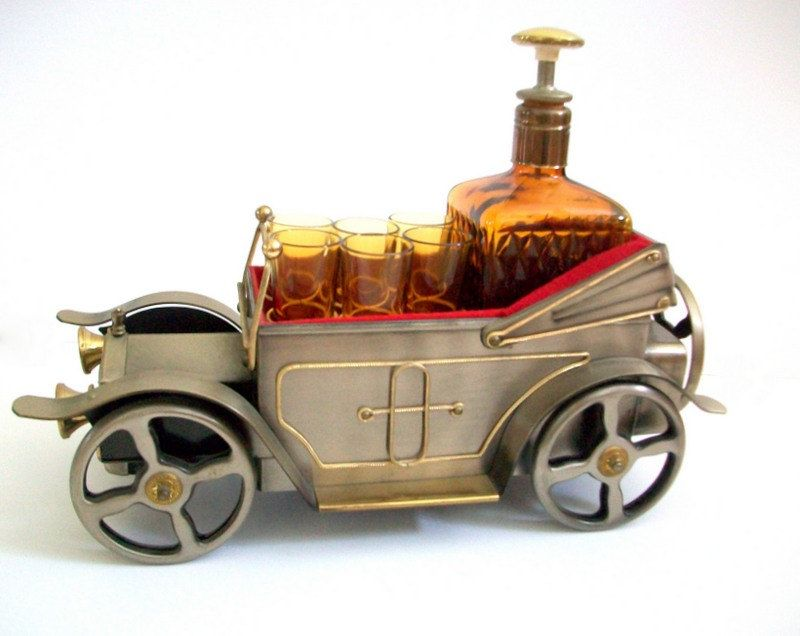 Car Liquor Set, Car Decanter, Vintage Car with Decanter & 6 Shot ...