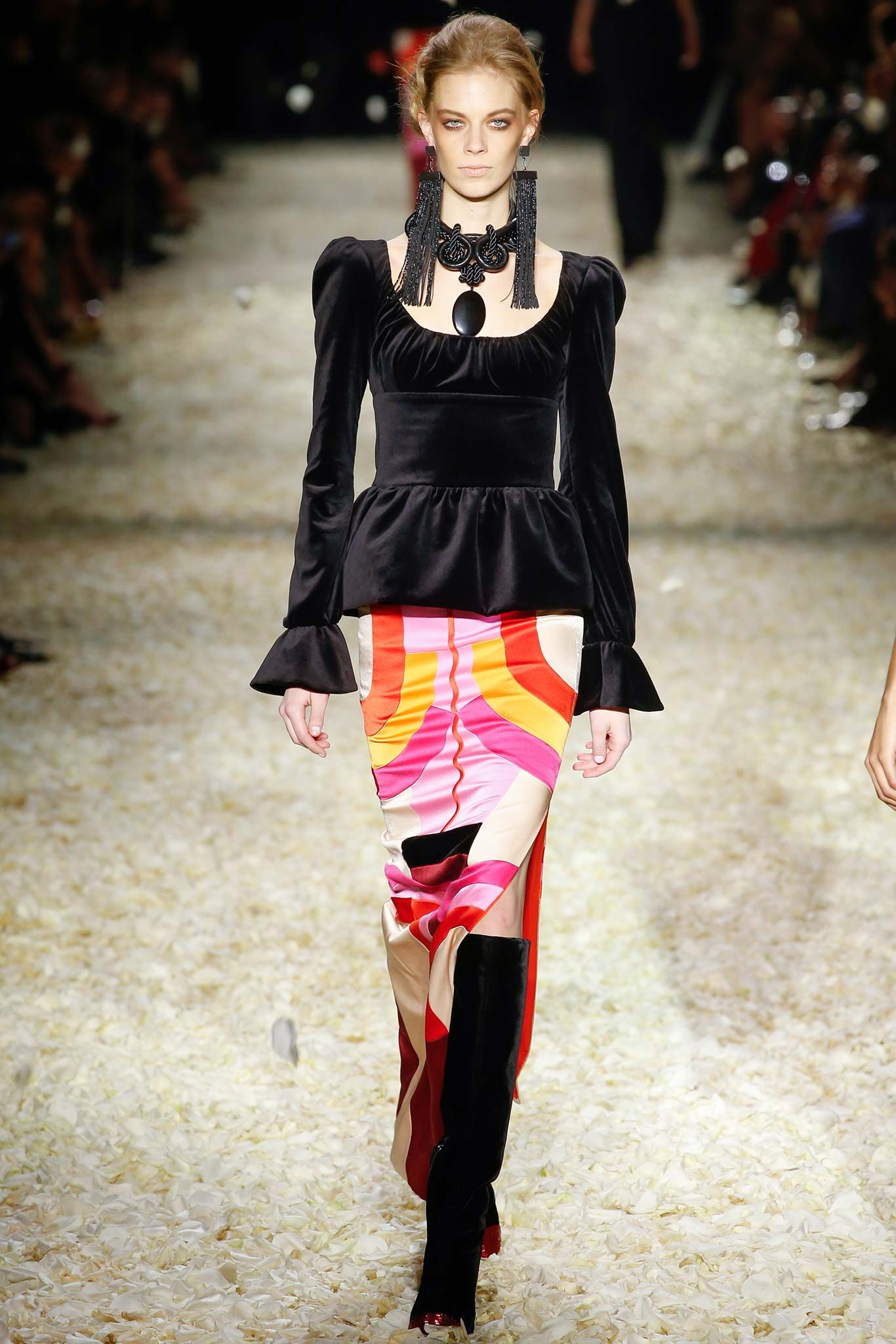 fcd7d4e5fc110 Tom Ford Fall 2015 Ready-to-Wear - Collection - Galle…   Fashion ...