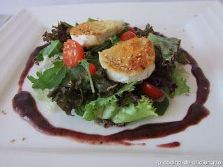 Receta Ensalada con queso de cabra y vinagreta de arándano para la cocina de aficionado