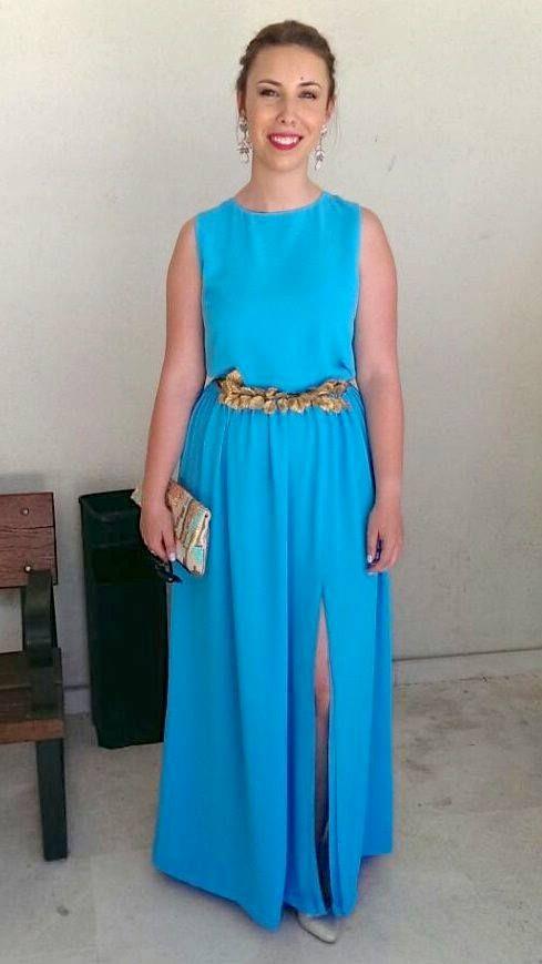 Rebeca con vestido largo turquesa Dresseos y cinturón de hojas doradas  Verdemint - Alquiler de vestidos y accesorios - Dresseos ae6991fc41c3