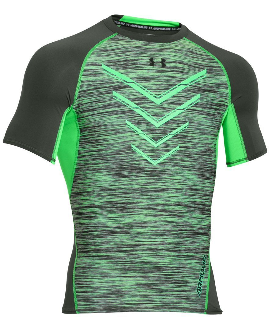 official photos 7dd35 1413b Under Armour packs performance features such as an ultra-tight compression  fit and HeatGear protection into a handsome space-dyed T-shirt.