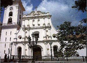 nombre-caracas cathedral localizacion-esp. la torre,plaza boliviar arenida sur precio-graitis horas de visita-no mostrar