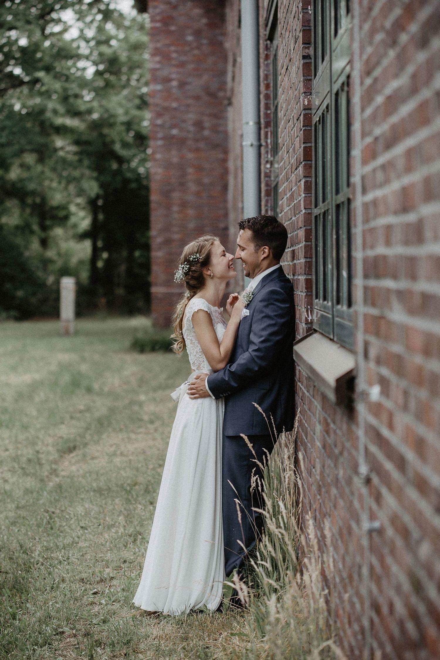 Hochzeit Von Nadine Und Jan Hochzeitsfotografie In Bockhorst Jever Stella Und Uwe Fotografie Ihr Hochzeitsfotograf Im Emsland In 2020 Wedding Shots Wedding Photography Poses