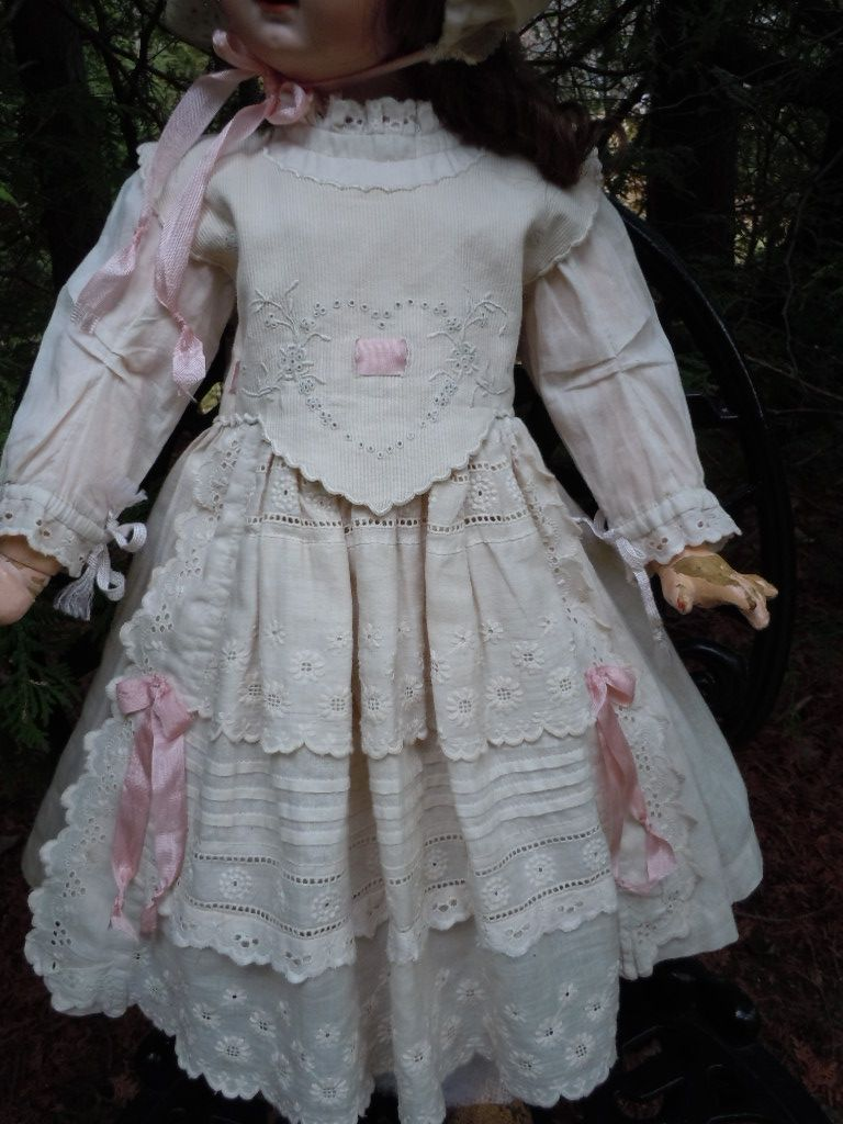 Antique Batiste Dress for german or french bisque doll... (from marthagracielle, eBay.com)