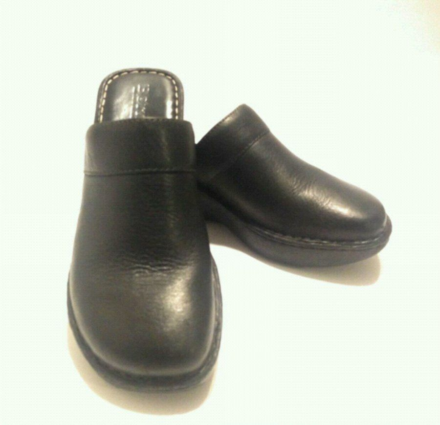 Used BORNS Womens Black Leather Clog Size 8 in