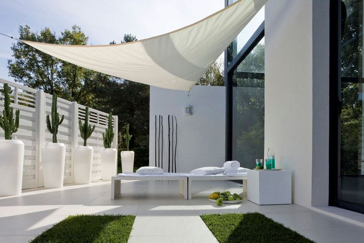 Une terrasse design | Extérieurs | Pinterest | Verandas and Pergolas