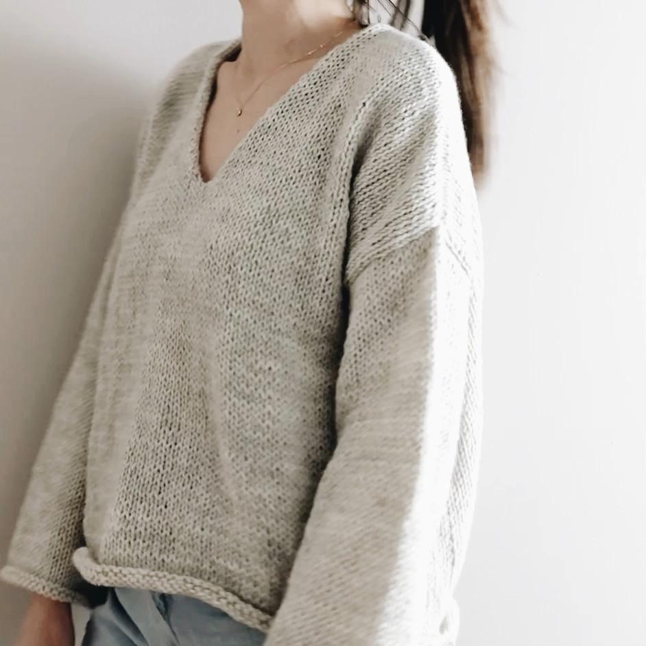 The Bailey   modern v neck oversized light knit pullover sweater jumper easy knitting pattern