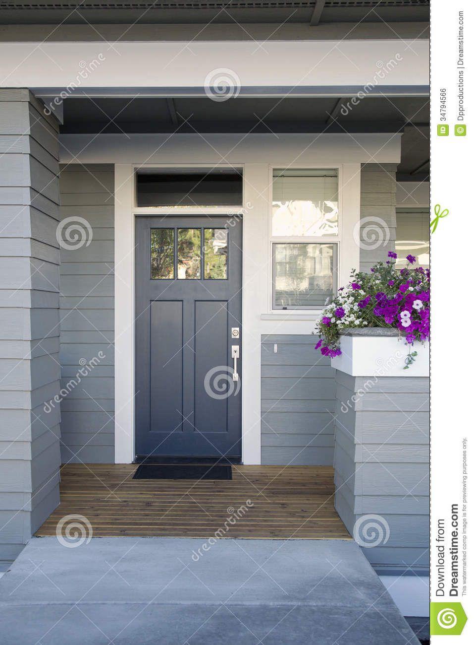 Haustüren weiß grau  Graue Haustür Eines Hauses Lizenzfreies Stockbild - Bild: 34794566 ...