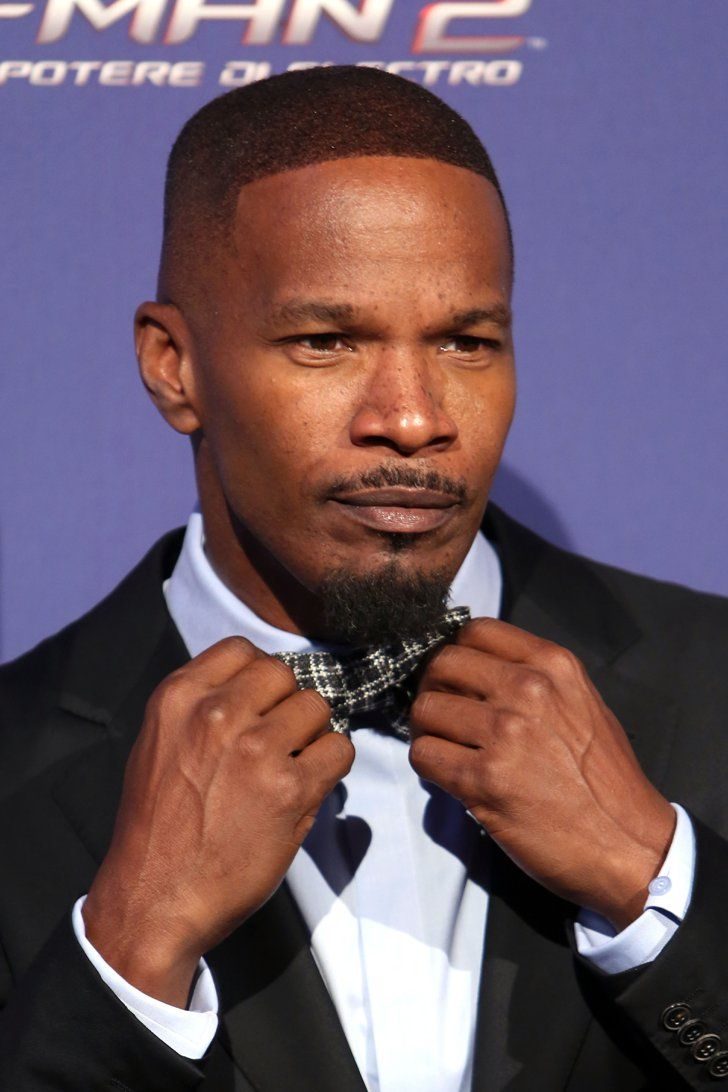 Pin for Later: The Hottest Hollywood Heartthrobs Who Are Actually Single Jamie Foxx If these impressions don't convince you that Jamie would make one amazing date, who knows what will.