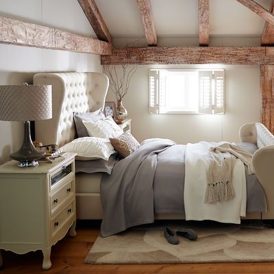 Tully Ivory Queen Bed