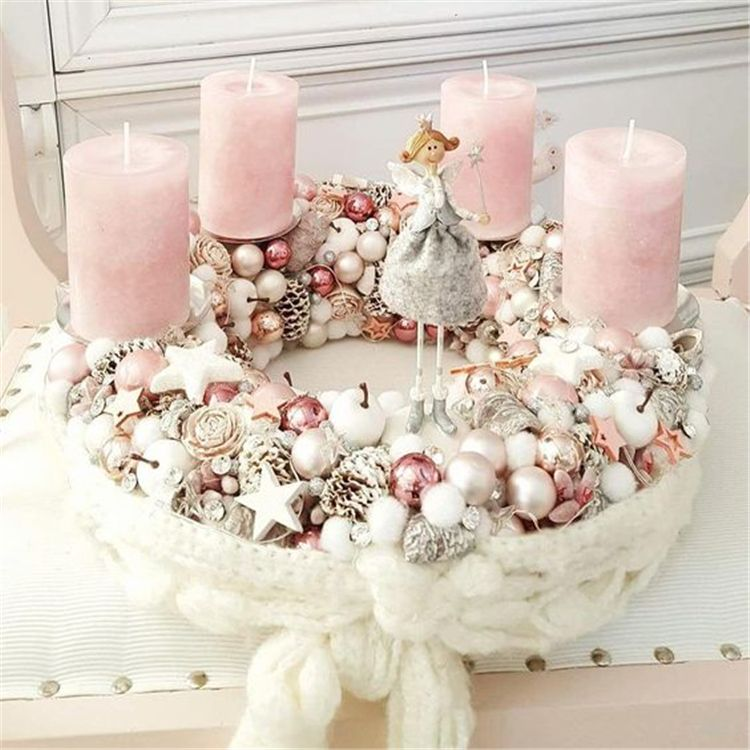 50+ Stunning Christmas Sweater Wreath Advent Candles Decoration Ideas - Page 20 of 55 #candlediy
