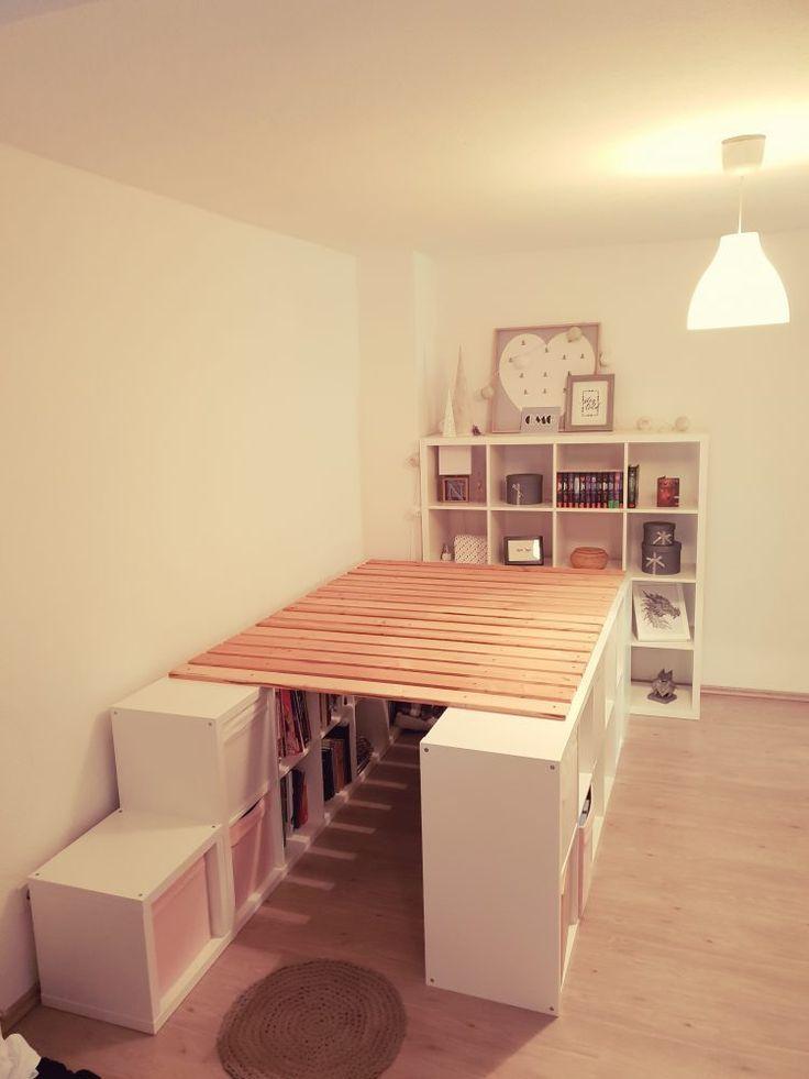 Ein Hochbett aus Ikea Kallax Regalen - DIY Ideen #ikeaideen