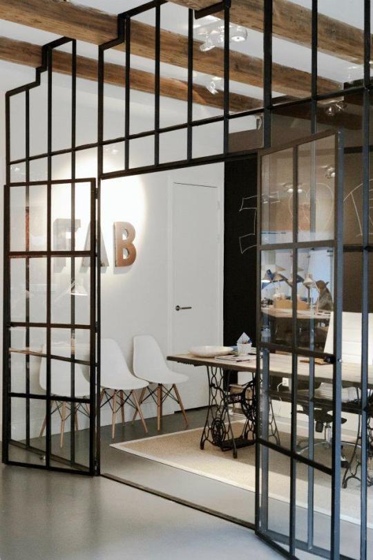 micro design trend factory windows pinterest verri re style industriel et chez soi. Black Bedroom Furniture Sets. Home Design Ideas