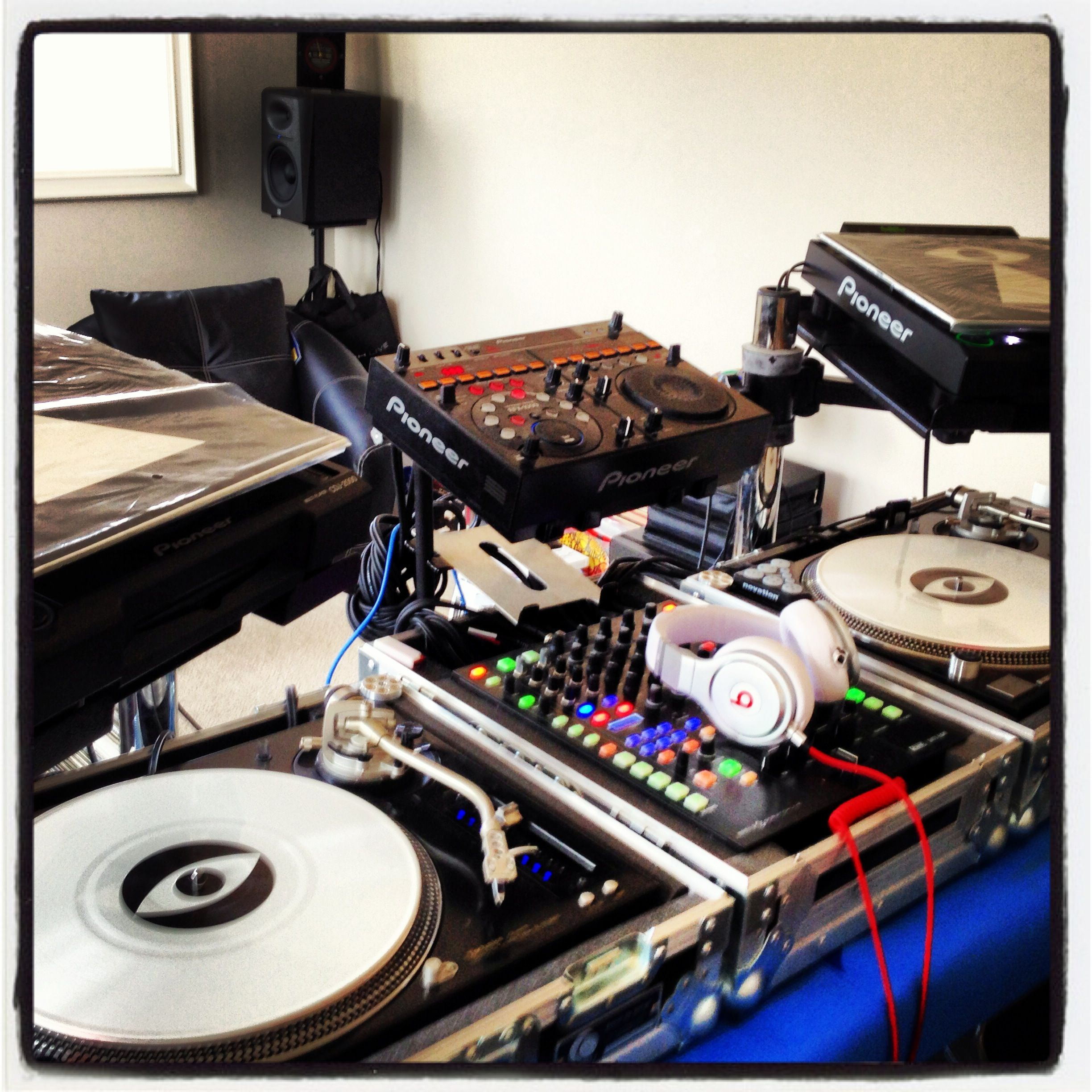 Keeping My Promo Only Serato White Control Vinyl I Cons Peeled And The Other Pair Sealed Dj Equipment Dj Setup Pioneer Dj