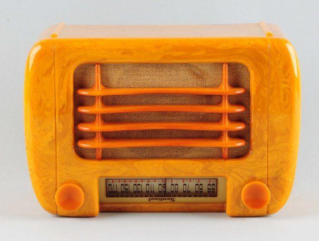 Catalin Sentinel Bakelite Electric Radio. : Lot 488